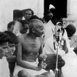 A statue will be erected in Parliament Square in central London in tribute to Mahatma Gandhi