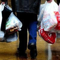 Hampshire Chronicle: Ministers have pledged to bring in a 5p levy for single-use plastic bags in England
