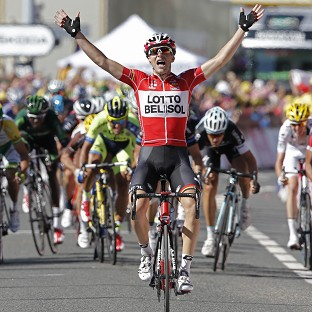 Tony Gallopin holds off the chasing pack to take the stage win (AP)