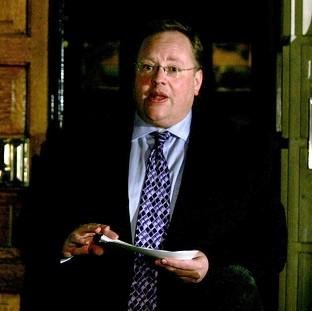 Senior Liberal Democrat peer Lord Rennard has had the suspension of his Liberal Democrat membership lifted.