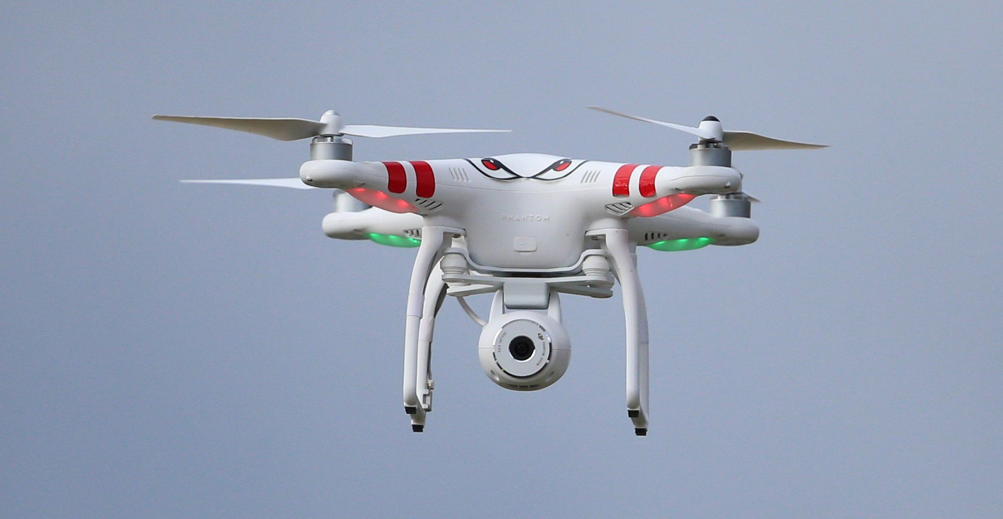 Drone nearly flies into passenger plane