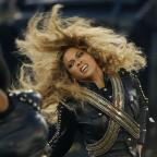 Hampshire Chronicle: Beyonce almost fell on stage at the Super Bowl - but recovered flawlessly