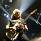 Hampshire Chronicle: Status Quo's Rick Parfitt funeral to be held today