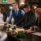 Hampshire Chronicle: Emmerdale fans 'drowning in tears' as 'Robron' exchange vows
