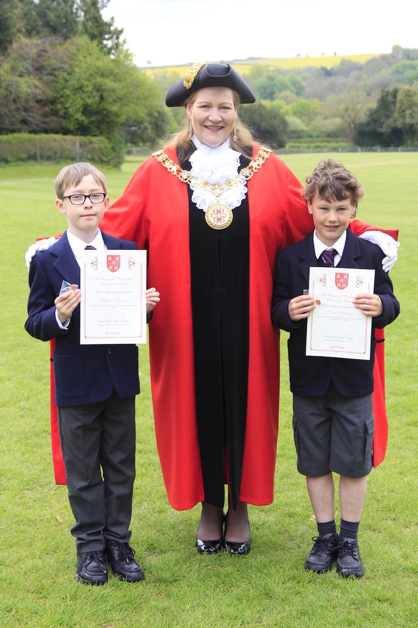Winchester's Mayor celebrates school success