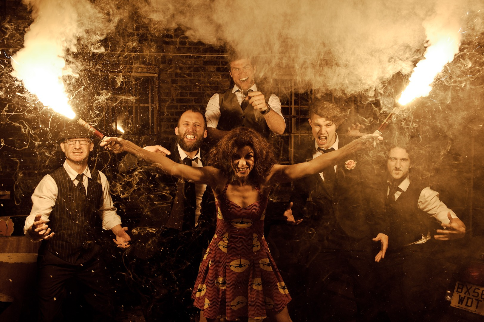 Molotov Jukebox with Huw Eddy & The Carnivals